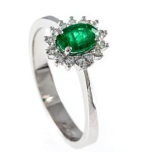 0,43ct smaragdsõrmus briljantidega