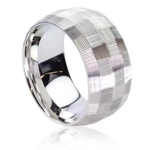 Fancy white gold ring