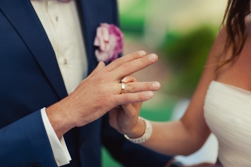 abielusõrmuse sõrm